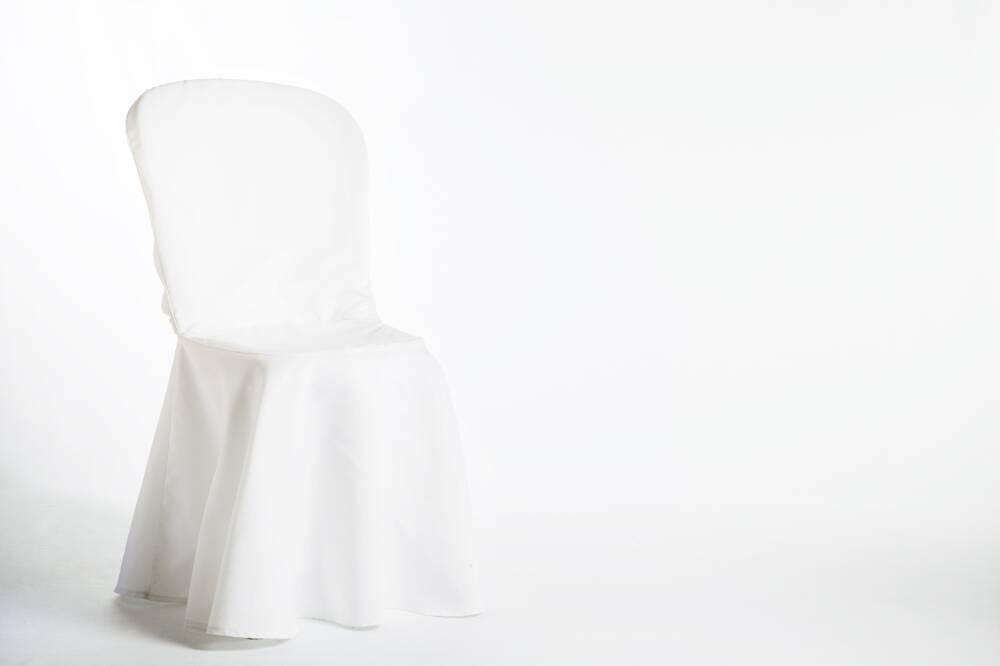housse blanche lycra avec galette mousse pour chaise. Black Bedroom Furniture Sets. Home Design Ideas