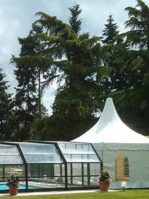 Tente/barnum utilisé comme vestiaire